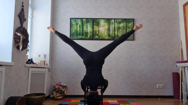 Йога с хедстендером
